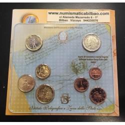 ITALIA CARTERA OFICIAL EUROS 2007 SC 1+2+5+10+20+50 CENTIMOS 1 EURO + 2 EUROS BU SET KMS 8 MONEDAS