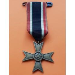 .ALEMANIA III REICH CONDECORACION AL MERITO DE GUERRA 2ª CLASE de 1939 a 1945 con CINTA e IMPERDIBLE 100% ORIGINAL