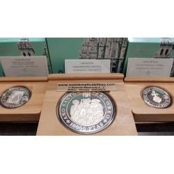 ESPAÑA AÑO SANTO JACOBEO 2 monedas de 2000 PESETAS 1993 + 10000 PESETAS 1993 XACOBEO PLATA ESTUCHES FNMT