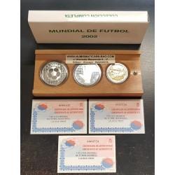 ESPAÑA 10 EUROS 2002 (2 monedas) + 200 EUROS 2002 MUNDIAL FUTBOL KOREA y JAPON 3 MONEDAS DE PLATA y ORO ESTUCHE CERTIFICADO FNMT