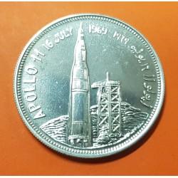 YEMEN 2 RIYALS 1969 TRANSBORDADOR APOLLO 1 MOON LANDING KM.2 MONEDA DE PLATA SC Arab Republic 2 Rials silver coin